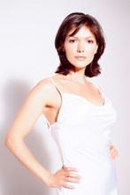 Laura-Harring_mobile
